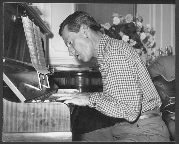 Hoagy Carmichael playing piano. [negative 13/57]