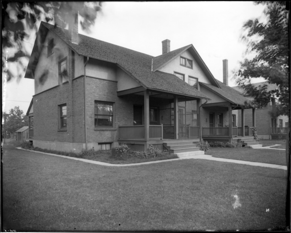 House, 245-7-9-51. Ambridge Avenue, Style 44, G.L. Co. #35