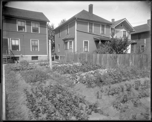 City,, Garden at 649 Harrison St.