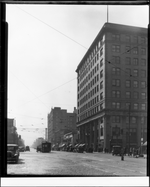 View at 5th and Broadway, Looking South
