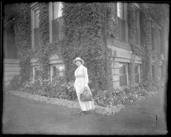 Nurse with Hat and Satchel, (first view)