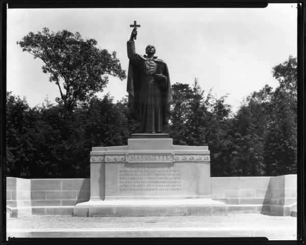 Father Marquette Statue